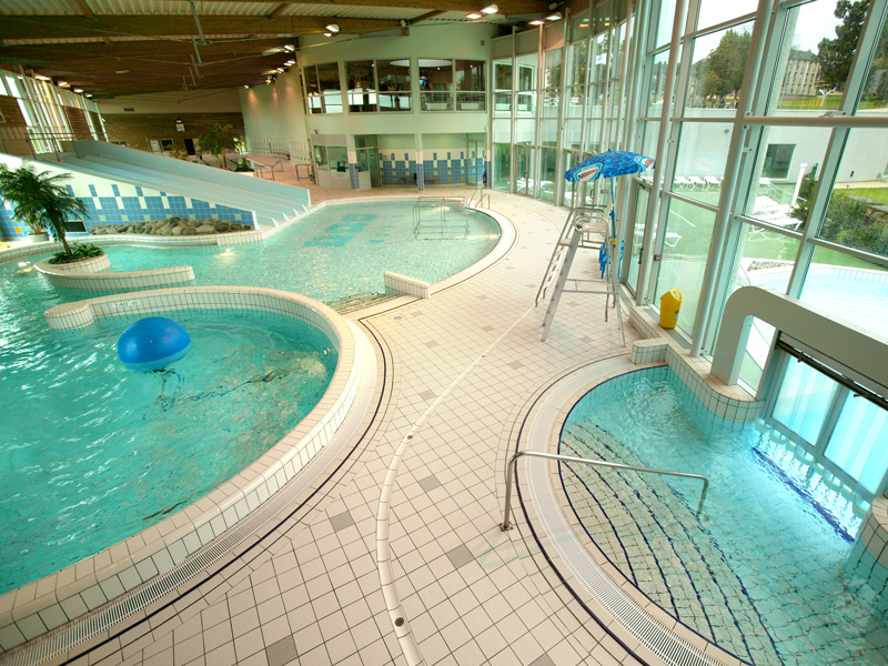 Piscine form o falaise normandie calvados tourisme for Camping normandie avec piscine