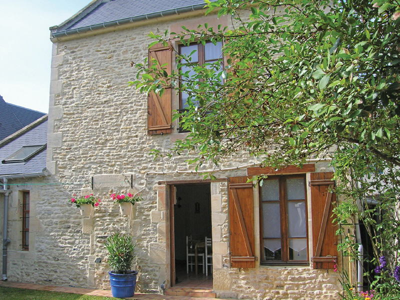 Holiday rental for 4 to 6 guests in arromanches les bains in norma tourisme - La maison des pecheurs ...
