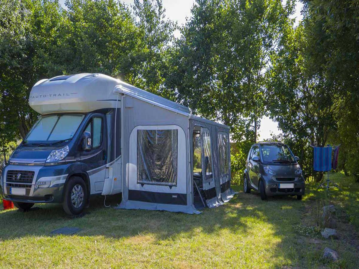 emplacement-camping-car-camping-la-capricieuse
