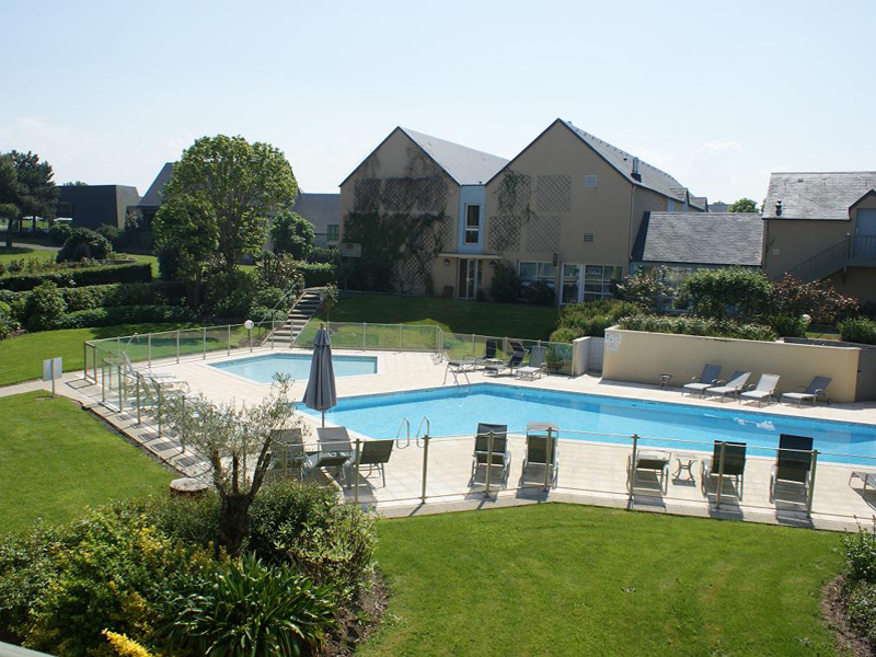 S minaire h tel mercure omaha beach en normandie for Piscine carpiquet