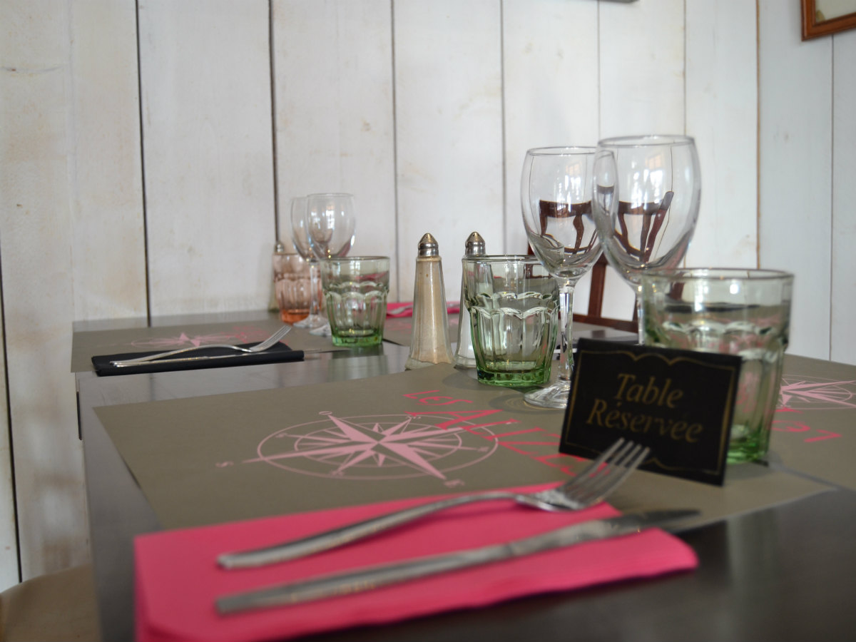 set-de-table-restaurant-les-alizes