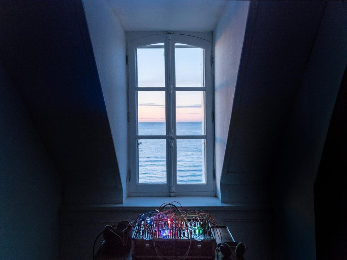 Fenêtre vers le nord : création sonore d'Enrique Ramírez
