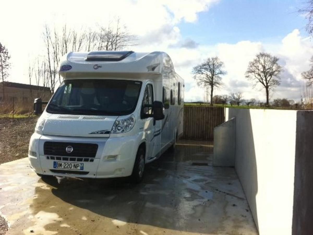 aire camping-cars Vassy