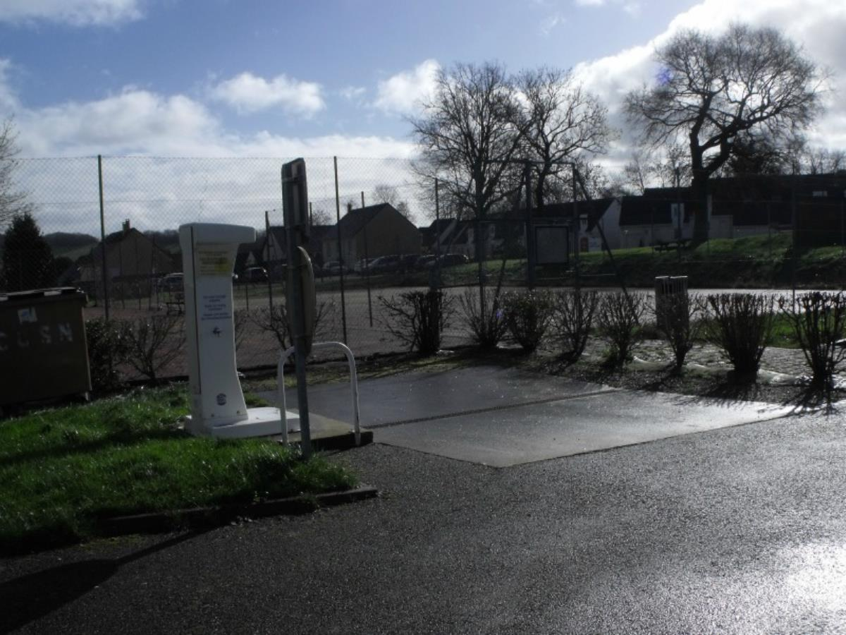 Aire de camping car communale de Clecy dans le Calvados, Normandie