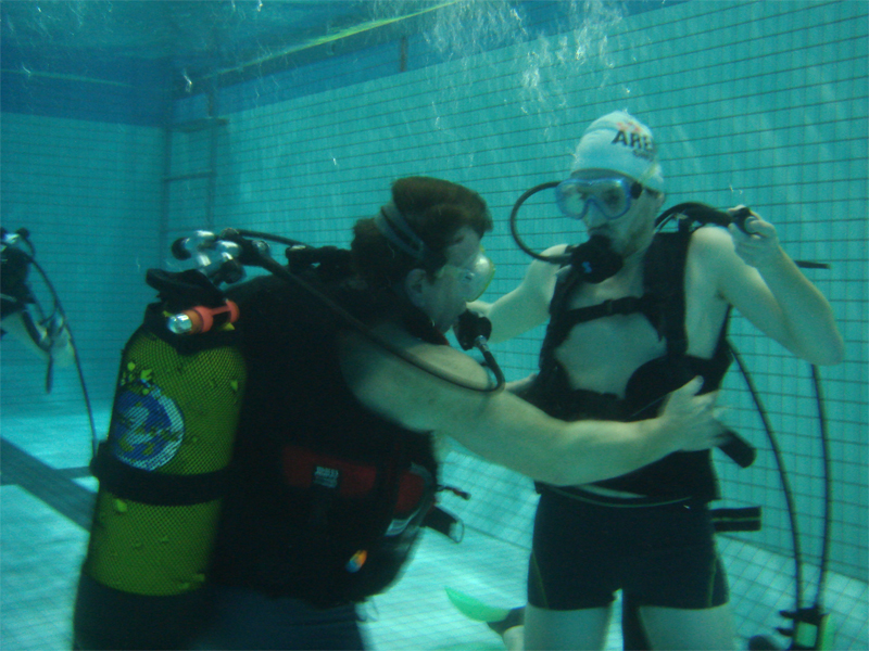 Bapteme plongee piscine GPS Caen - ©© GPS