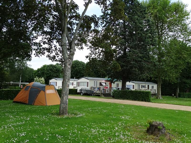 Camping de la Vallée à Lisieux Emplacements et mobil home - ©Marion Nogueira