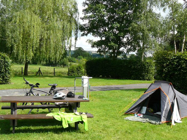 Camping des bords de Vire - Pont Farcy - emplacement - ©Camping des bords de Vire