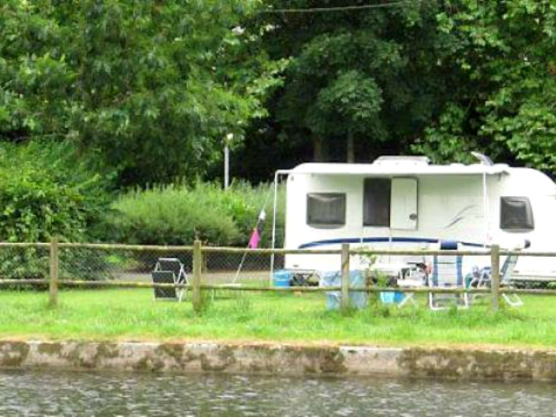 Camping des bords de Vire - Pont Farcy - emplacement 2 - ©Camping des bords de Vire