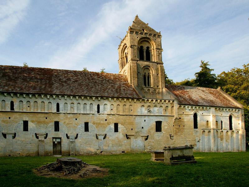 Eglise romane de Thaon - ©G. Wait