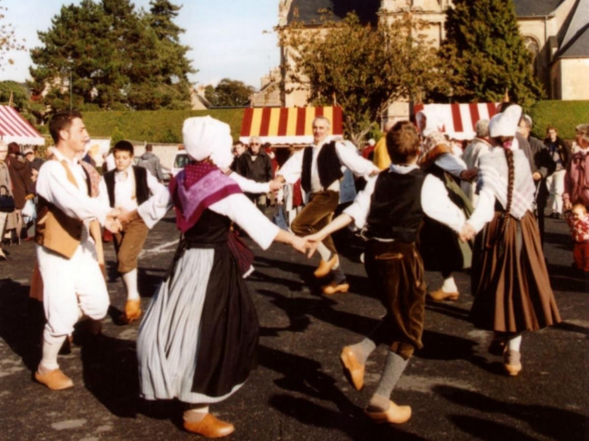 Spectacle de danse folklorique avec le Gay-Sçavoir