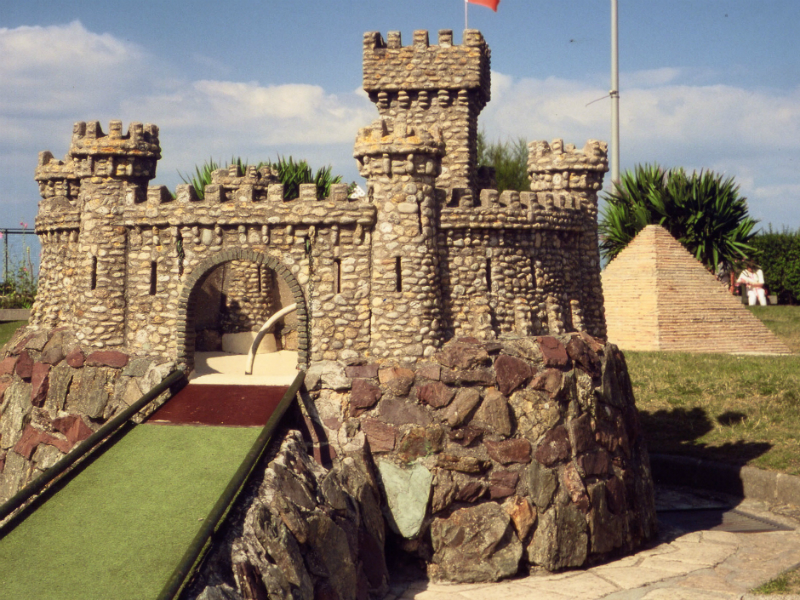 Golf miniature chateau - ©CIKO Christine