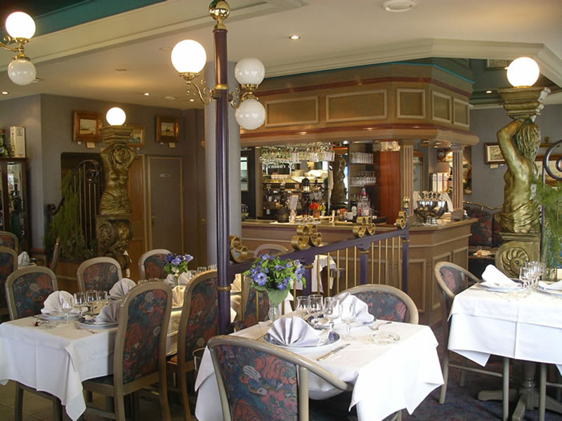 restaurant port en bessin huppain h tel de la marine. Black Bedroom Furniture Sets. Home Design Ideas