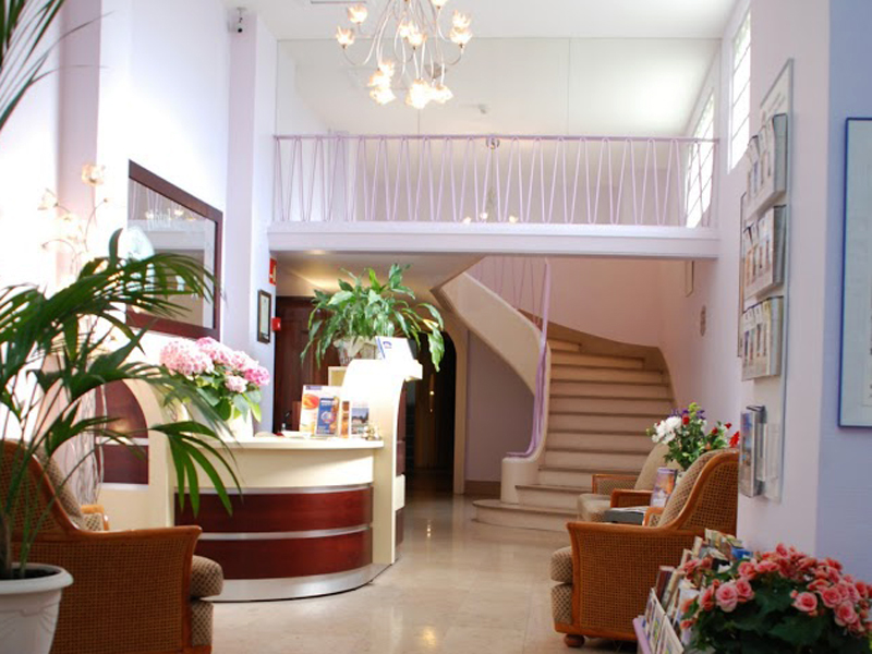 Comfort Hotel Cathedrale - Lisieux - 5 - ©Comfort Hotel Cathedrale - Lisieux