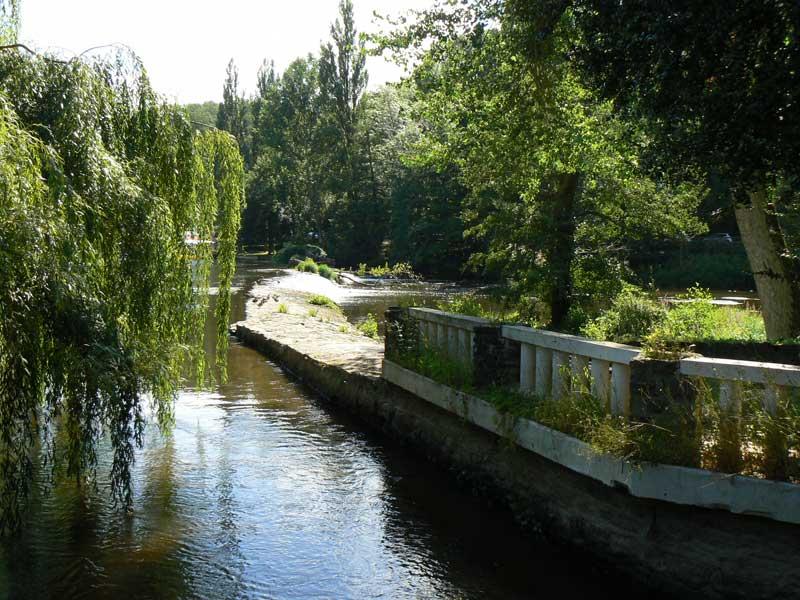 Gite du Moulin du Vey à Clécy, les bords de l'Orne - ©Mme Laouenan - Clévacances