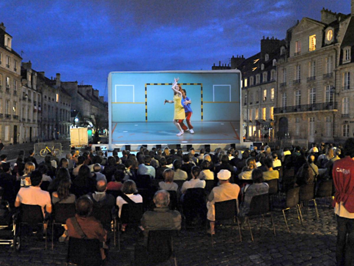 Projection en plein air : La Ch'tite famille