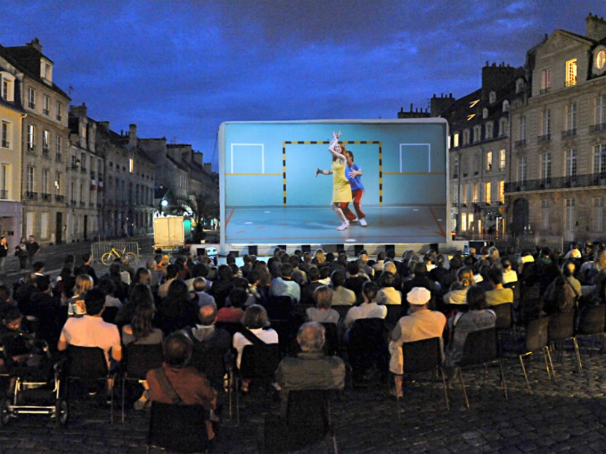 Projection en plein air : Le pianiste